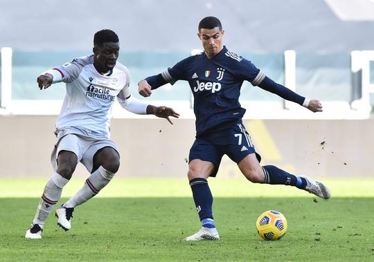 Clip: Ronaldo kiến tạo, Juventus giành 3 điểm, lọt top 4 Serie A - Ảnh 3.