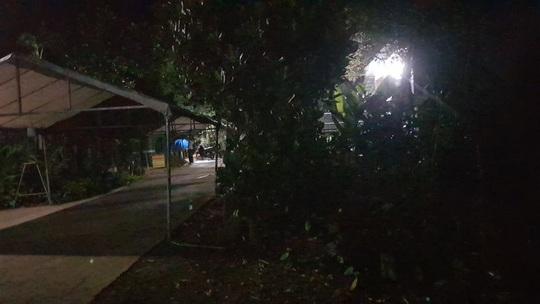 Người bố chết lặng khi thấy con 14 tuổi tử vong trong phòng - Ảnh 1.
