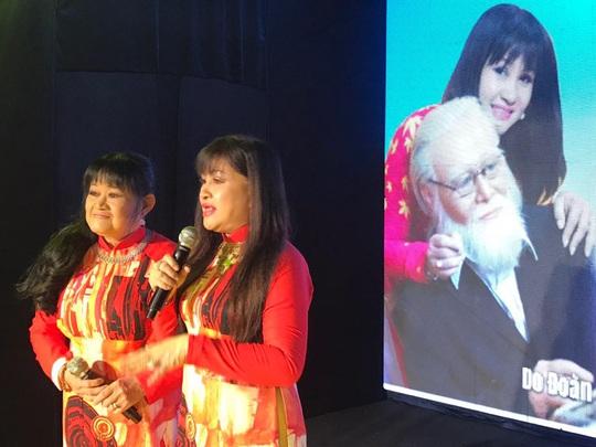 Cuối năm, hai học bổng nghệ sĩ trao tặng con em công nhân sân khấu - Ảnh 1.