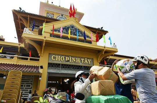 10 địa điểm hút khách nước ngoài ở TP HCM - Ảnh 1.