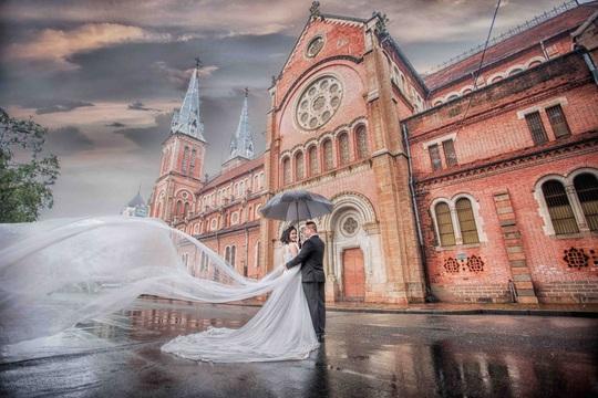 Bật mí những địa điểm chụp ảnh cưới lý tưởng ở TP HCM - Ảnh 3.