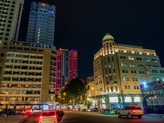 10 địa điểm hút khách nước ngoài ở TP HCM - Ảnh 6.
