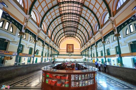 10 địa điểm hút khách nước ngoài ở TP HCM - Ảnh 9.