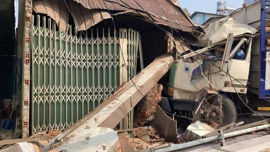 Tài xế gây ra vụ tai nạn kinh hoàng ở Biên Hòa, người và xe nằm la liệt khai gì? - Ảnh 1.