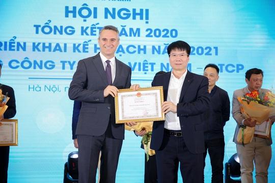 Sanofi Việt Nam nhận bằng khen của Bộ Y tế - Ảnh 1.