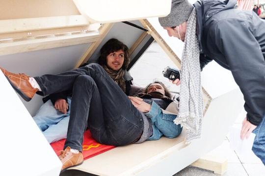 Tổ ngủ lắp ghép cho người vô gia cư - Ảnh 3.