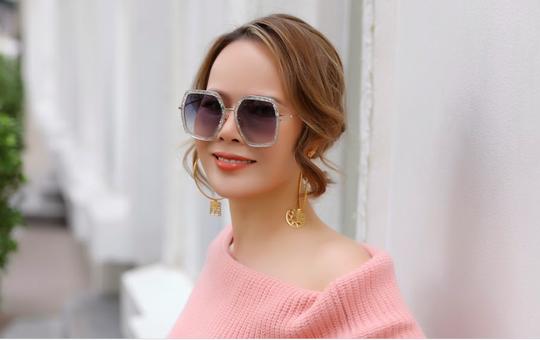 Bí quyết giữ gìn sắc vóc hoàn hảo của Mrs Việt Nam Trần Hiền - Ảnh 1.
