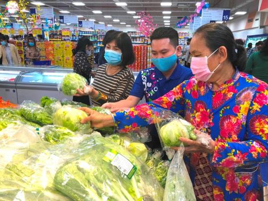 Saigon Co.op đón hơn 2 triệu lượt khách tham quan mua sắm ngày đầu năm - Ảnh 1.