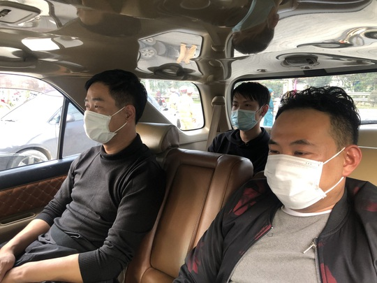 Đà Nẵng: Chặn đứng một ô tô chở 3 người Trung Quốc nhập cảnh trái phép - Ảnh 1.