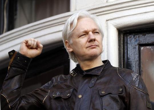 Bước ngoặt kịch tính: Ông chủ WikiLeaks thoát án dẫn độ sang Mỹ - Ảnh 1.