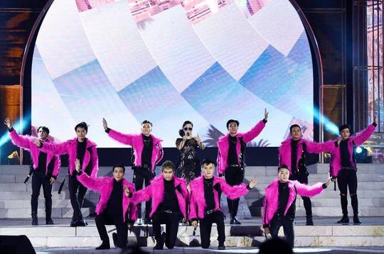 Mãn nhãn với đại tiệc âm thanh, ánh sáng trong New Year Countdown 2021 Nam Phú Quốc - Ảnh 5.