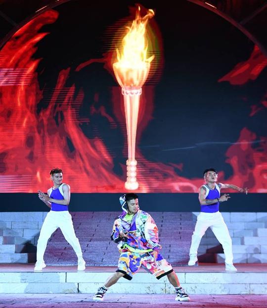 Mãn nhãn với đại tiệc âm thanh, ánh sáng trong New Year Countdown 2021 Nam Phú Quốc - Ảnh 8.