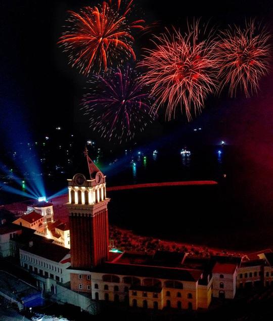 Mãn nhãn với đại tiệc âm thanh, ánh sáng trong New Year Countdown 2021 Nam Phú Quốc - Ảnh 10.