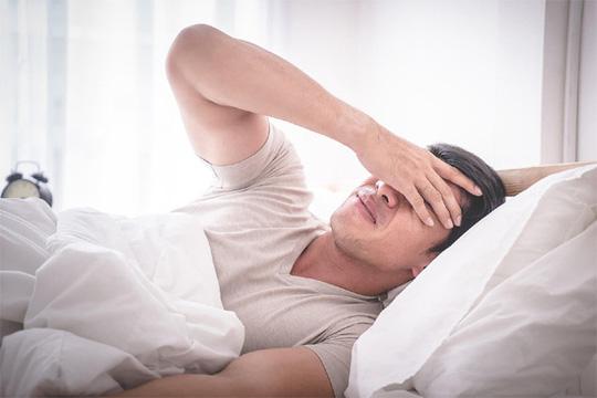 Bốn bất thường khi ngủ cảnh báo đột quỵ - Ảnh 1.