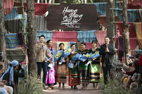 Tổ chức thành công chuỗi sự kiện nổi bật Lễ hội Văn hóa Thổ cẩm Việt Nam lần 2 năm 2020 - Ảnh 1.