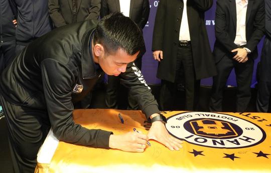 HLV Chu Đình Nghiêm: Hà Nội FC sẽ gặp nhiều khó khăn khi đối đầu CLB HAGL của Kiatisuk - Ảnh 5.