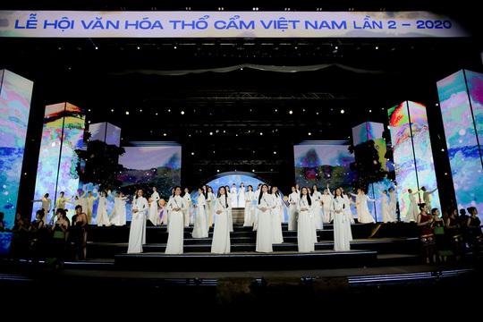 Tổ chức thành công chuỗi sự kiện nổi bật Lễ hội Văn hóa Thổ cẩm Việt Nam lần 2 năm 2020 - Ảnh 5.