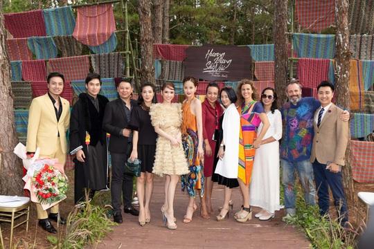 Tổ chức thành công chuỗi sự kiện nổi bật Lễ hội Văn hóa Thổ cẩm Việt Nam lần 2 năm 2020 - Ảnh 3.