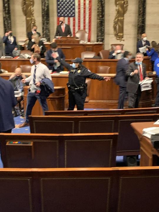 """Quốc hội Mỹ: """"Người nhà"""" quay lưng với ông Trump - Ảnh 3."""