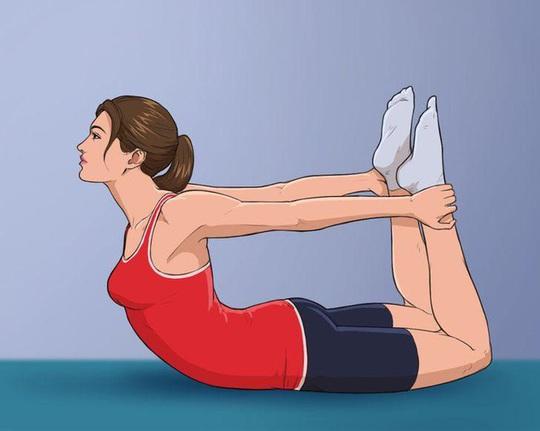 10 tư thế yoga trị đau lưng hiệu quả tại nhà - Ảnh 3.