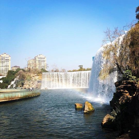 Vẻ đẹp của thác nước nhân tạo lớn nhất châu Á - Ảnh 7.