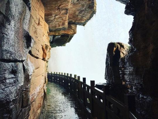 Vẻ đẹp của thác nước nhân tạo lớn nhất châu Á - Ảnh 8.
