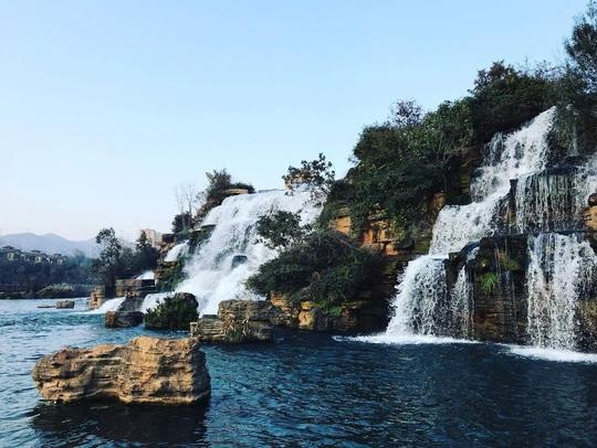 Vẻ đẹp của thác nước nhân tạo lớn nhất châu Á - Ảnh 5.