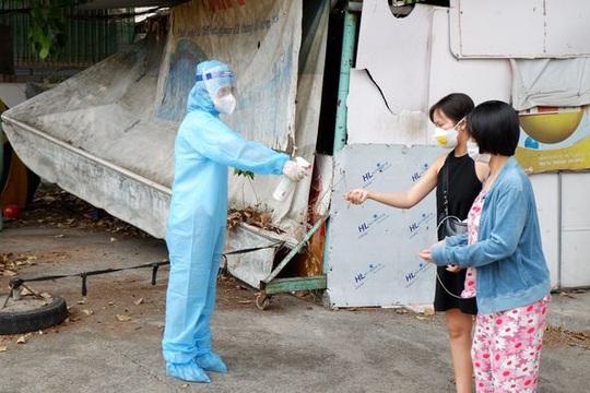 TP HCM: Ghi nhận thêm 1 trường hợp nhiễm mới là nhân viên sân bay - Ảnh 1.