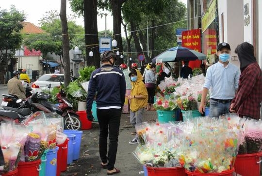 Hoa Tết còn ê hề, Sở Công Thương TP HCM kêu gọi dân giải cứu - Ảnh 12.