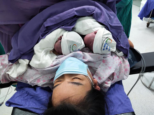 Ngắm nhìn những em bé chào đời trong khu cách ly thời Covid-19 - Ảnh 10.