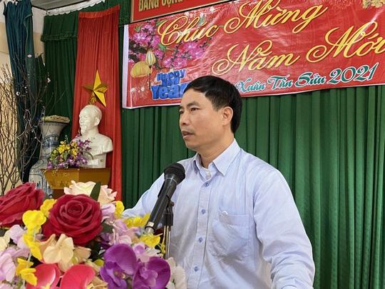 Bộ trưởng Bộ Y tế Nguyễn Thanh Long tặng quà, động viên bệnh nhân phải ăn Tết bệnh viện - Ảnh 23.