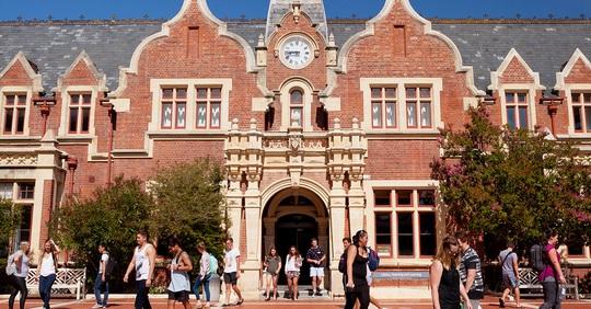Dịch Covid-19: Sinh viên lựa chọn dự bị du học ĐH tại Việt Nam - Ảnh 1.