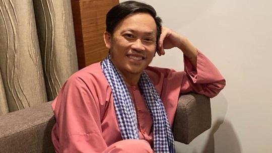 Vì sao danh hài Hoài Linh sáng tác bài thơ chúc Tết 63 tỉnh, thành? - Ảnh 1.