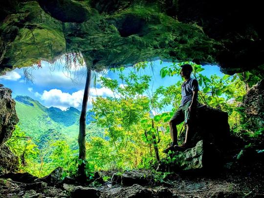 Làm báo cùng Báo Người Lao Động: Khám phá tiên cảnh trong hang Lũng Lòn - Ảnh 1.