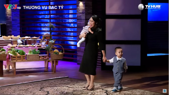 Mẹ bỉm sữa bán rau thu 2.000 USD/ngày - Ảnh 2.