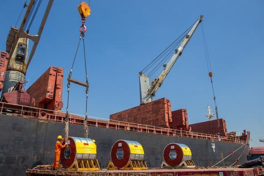 Tập đoàn Hoa Sen nhộn nhịp các hoạt động xuất khẩu xuyên Tết Tân Sửu 2021 - Ảnh 3.