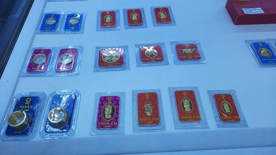 Trước ngày Thần Tài, trâu vàng 9999 tràn ngập thị trường - Ảnh 3.