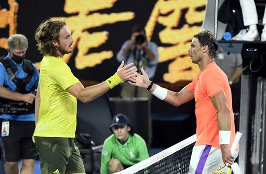 Rafael Nadal thua ngược Tsitsipas, mất cơ hội phá kỷ lục Grand Slam - Ảnh 5.