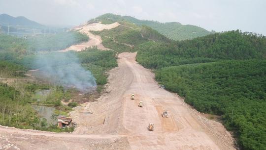 Phải đảm bảo chất lượng và tiến độ thi công cao tốc Cam Lộ - La Sơn - Ảnh 1.