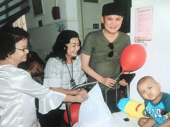 Kỳ nữ Kim Cương khởi động chương trình chăm sóc bệnh nhi ung thư - Ảnh 2.