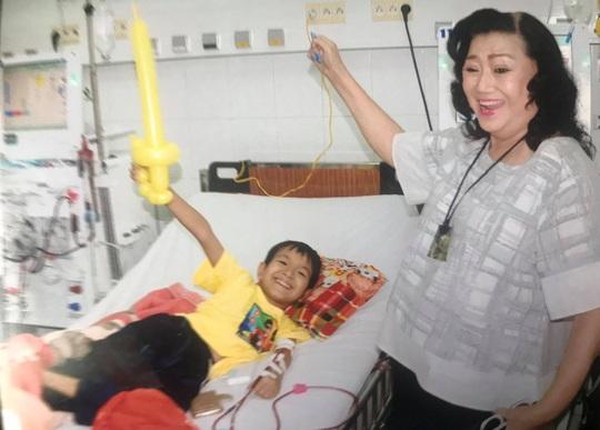 Kỳ nữ Kim Cương khởi động chương trình chăm sóc bệnh nhi ung thư - Ảnh 4.
