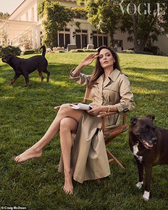 Angelina Jolie nuôi dạy 6 con như thế nào sau ly hôn với Brad Pitt? - Ảnh 2.
