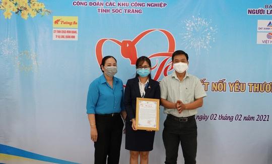 Trao 400 phần quà Tết cho công nhân nghèo ở Sóc Trăng - Ảnh 9.