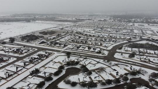 Lạnh không tưởng ở Texas: Những hình ảnh không thể quên! - Ảnh 2.