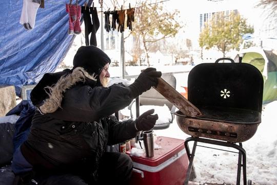 Lạnh không tưởng ở Texas: Những hình ảnh không thể quên! - Ảnh 5.