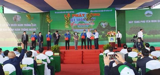 Thủ tướng Nguyễn Xuân Phúc phát động Tết trồng cây tại Phú Yên - Ảnh 4.