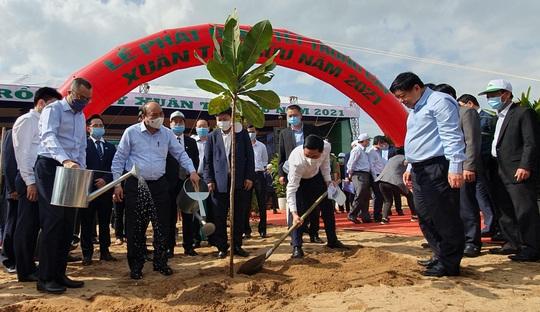 Thủ tướng Nguyễn Xuân Phúc phát động Tết trồng cây tại Phú Yên - Ảnh 1.