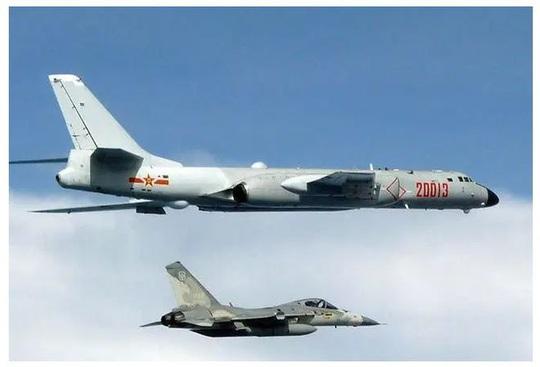 Trung Quốc tập trận, Đài Loan huy động cả máy bay và tên lửa - Ảnh 2.
