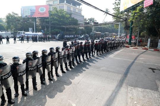 Cảnh báo chết chóc của quân đội Myanmar - Ảnh 4.