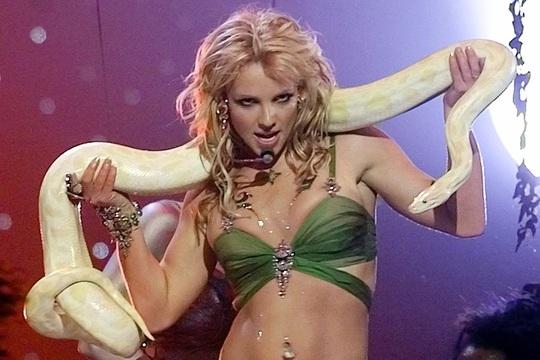 Ai đã khiến Britney Spears sụp đổ? - Ảnh 1.